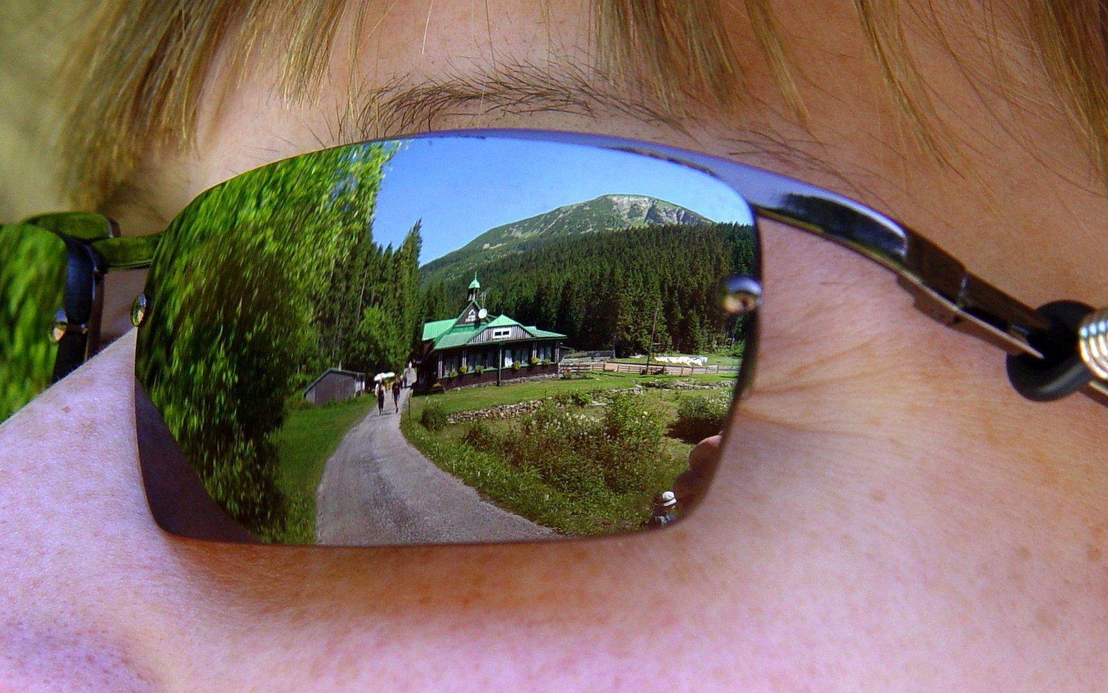brýle, zrcadlení, odraz, cesta, kopec, Krkonoše / foto -ima-